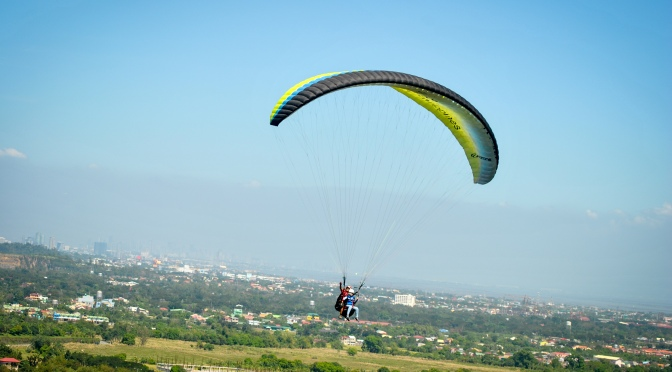 Carmona Estates: Paragliding